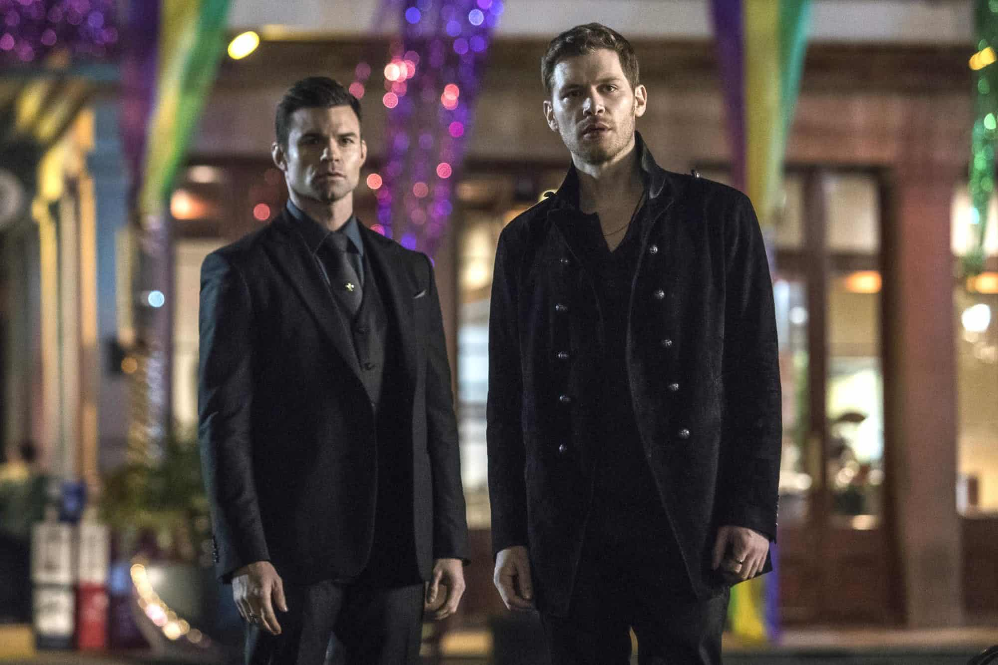 Elijah (Daniel Gillies) e Klaus (Joseph Morgan) em The Vampire Diaries (Reprodução)