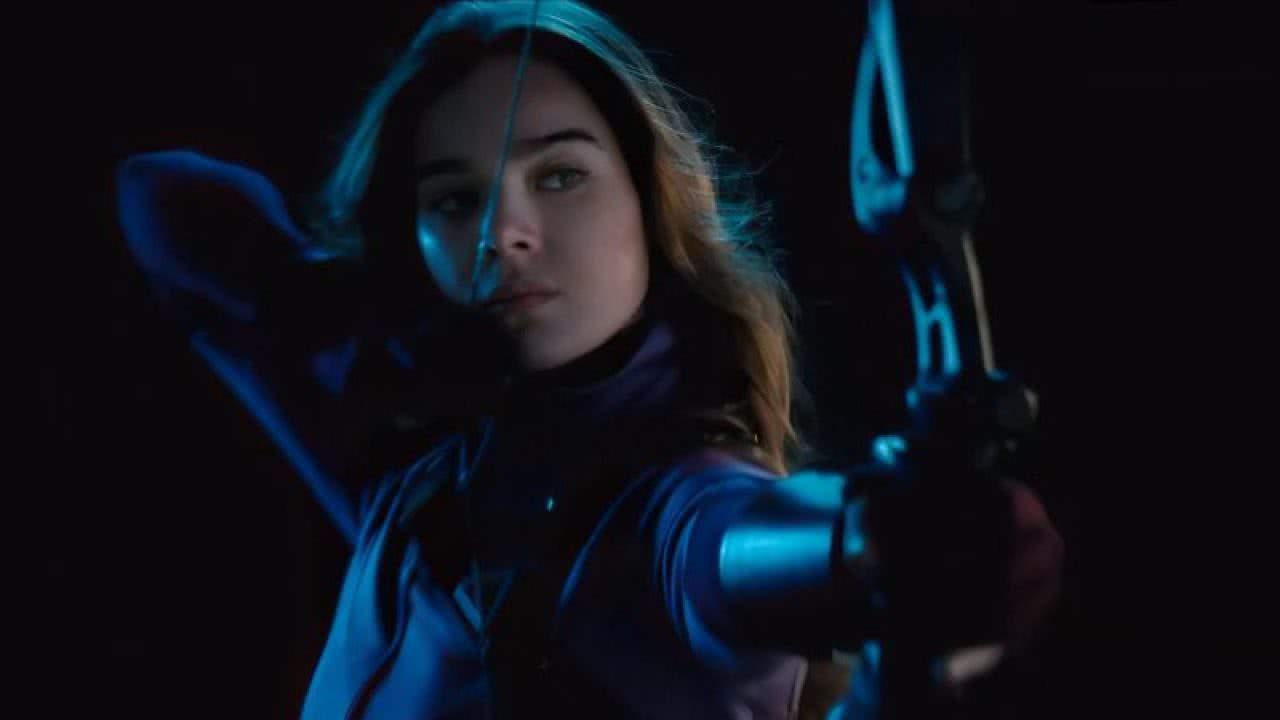 Kate Bishop (Hailee Steinfeld) em Hawkeye (Divulgação / Marvel)