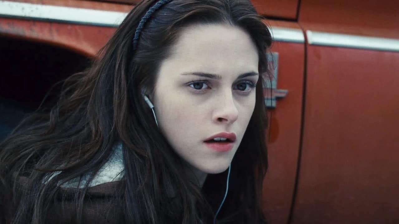 Bella Swan (Kristen Stewart) em Crepúsculo (Reprodução)