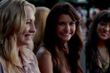 Caroline (Candice King), Elena (Nina Dobrev) e Bonnie (Kat Graham) em The Vampire Diaries (Reprodução)
