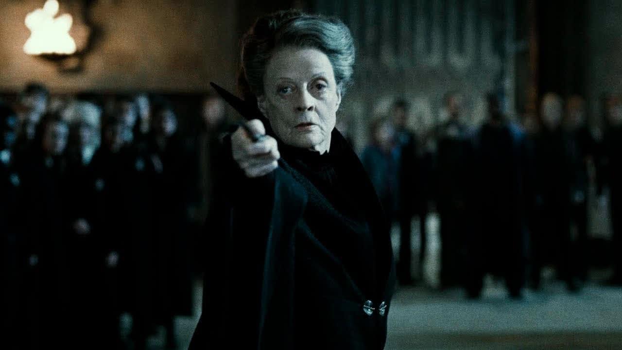 Minerva McGonagall (Maggie Smith) em Harry Potter e As Relíquias da Morte (Reprodução)