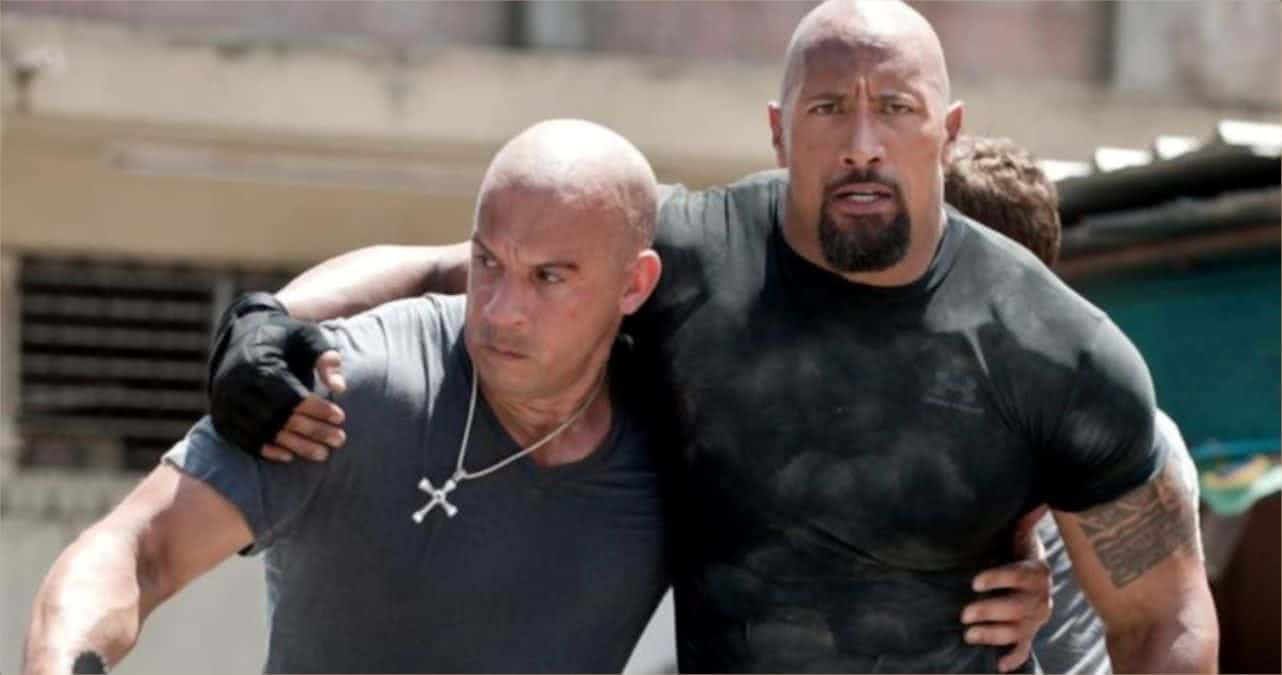 Vin Diesel e The Rock na franquia Velozes e Furiosos (Reprodução / Universal)