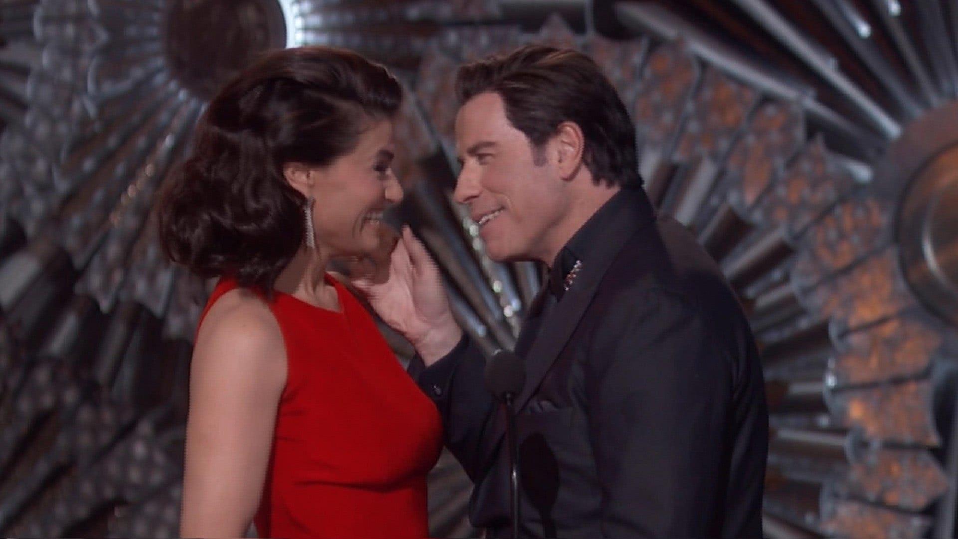 Idina Menzel e John Travolta no Oscar